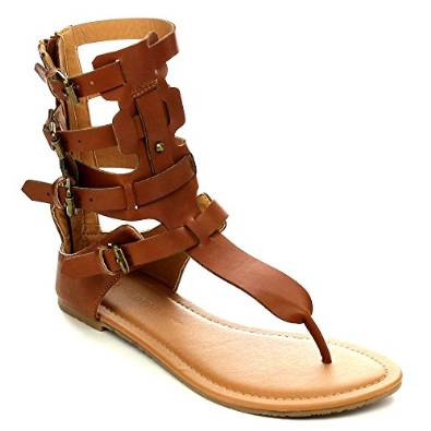 Gladiator sandals are a growing trend in fashionable footwear and comfortable, which is around for centuries. Deeply rooted in antiquity, these sandals have provided comfort, flexibility, durability, and support for the men and women of the Roman Empire.