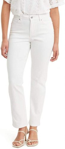 Are White Jeans Still In Style 2022?